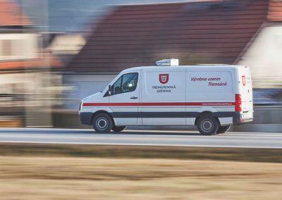 Třemošenské uzeniny na cestě k zákazníkům:  Auto plné čerstvých uzenin na cestě k vám, našim zákazníkům